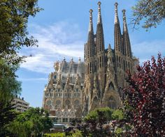la sagrada familiar talesfromafork.com barcelona spain