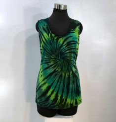 Plus sizes & green tie dye tank top in bamboo blend fabric. by qualicumclothworks on Etsy Reverse Tie Dye, Tie Dye Tops, Green Tie, Cotton Spandex, Tie Dye Skirt, Bamboo, Plus Size, Tank Tops, Fabric