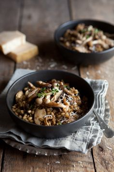 I love to use dried porcini mushrooms with fresh mushrooms when making this barley 'risotto'. Or any mushroom risotto in fact. The flavour adds such depth, and the water that re-hydrat… (food plating website) Couscous, Vegetarian Recipes, Cooking Recipes, Healthy Recipes, Barley Risotto, Mushroom Risotto, Barley Food, Risotto Rice, Risotto Recipes