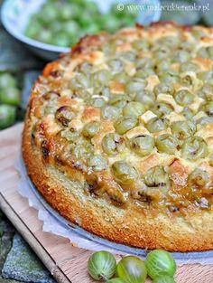 Gooseberry cake - Glücklich back :) - sehr lecker. Auch mit anderen Früchten ausprobieren. Aus erstaunlich wenig Teig wird erstaunlich viel (fester!) Kuchen :D