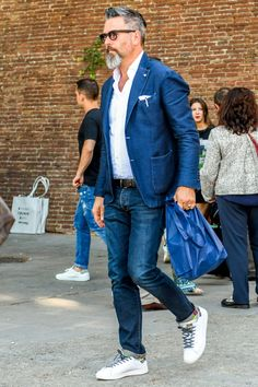 Mens Winter Fashion Tips Winter Outfits, Casual Outfits, Fashion Outfits, Fashion Trends, Men's Outfits, Casual Clothes For Men Over 50, Business Casual Men, Men Casual, Smart Casual