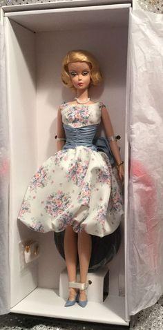 Betty Draper Mad Men Silkstone Barbie Doll Fashion Model Gold Label T2153…