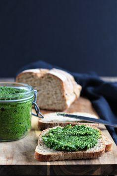Pesto de chou kale (vegan) – Envie D'une Recette végétalienne? Whole Food Recipes, Vegan Recipes, Some Recipe, Fodmap, Chutney, Cooking Time, Love Food, Tapas, Dairy Free