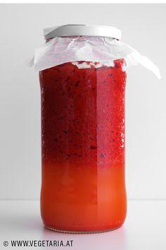 Es ist so einfach, und doch so extrem lecker: man braucht nur rote Paprika, Salz und etwas Zeit. Red Bell Peppers, Salt, Vegetarian Recipes, Simple