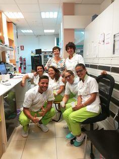 Celebrando en #Farmacia Celina #Reiventesufarmacia #atopedepower Pharmacy