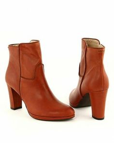 EYE Heel Leather Booties Europe