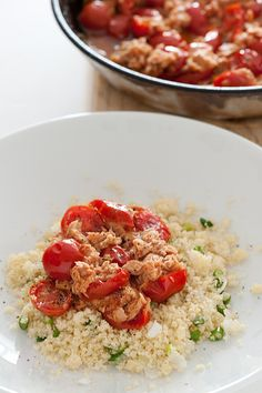 couscous with tuna & cherry tomato sauce