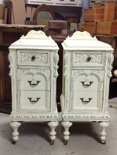 Example of our custom refinished shabby chic nightstands! Awesome! www.etsy.com/shop/redbarnestates