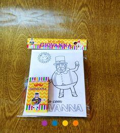 Kit para colorir versão light mundo Bita.    Kit com  8 páginas para colorir diversas no tema escolhido  Saquinho com lapela  Caixinha de giz 6 cores de cera personalizada