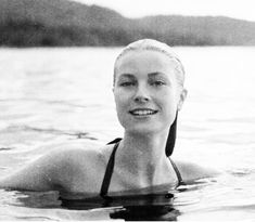 A Howell Conant photo of Grace Kelly, Jamaica, 1955 (We Had Faces Then) Princess Grace Kelly, Princess Alexandra, Old Actress, American Actress, Classic Hollywood, Old Hollywood, Hollywood Glamour, Hollywood Actresses, Hollywood Stars