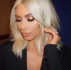 Short Blonde Soft Wavy Hairstyle Nice-Short-Blonde-Ha