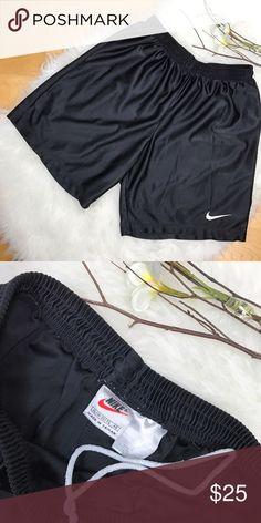 Nike👟Basketball Shorts! Juniors Nike👟Basketball Shorts! 18-20 juniors •Nike swoosh front logo Nike Shorts