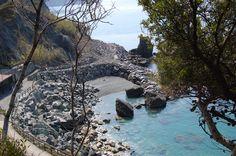 La spiaggia del Resort La Francesca sul mare delle Cinque Terre