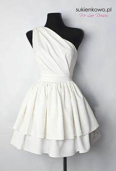 Sukienkowo.pl - Sukienka na jedno ramię ekri NEFRE Beautiful Prom Dresses, Nice Dresses, Short Dresses, White Outfits, Dress Outfits, Fashion Outfits, Casual Summer Dresses, Dresses For Teens, Drape Gowns