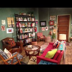 Max and Carolines apartment from 2 Broke Girls.