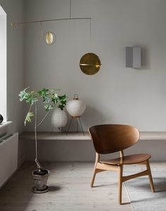 This Interior is a Masterclass in Warm Minimalism with Gorgeous Brass Details - Nordic Design Interior Design Minimalist, Contemporary Interior Design, Decor Interior Design, Interior Decorating, Decorating Games, Luxury Interior, Room Interior, Contemporary Style, Casa Hygge