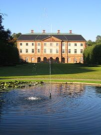 Övedskloster Manor (Swedish: Övedskloster slott) is a manor in Sjöbo Municipality, Scania, in southern Sweden. Norway Sweden Finland, Denmark, Kingdom Of Sweden, Scandinavian Countries, Country Estate, Beautiful Architecture, Helsingborg, Palace, England