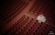 Sesión de XV años en Teatro Degollado. Con miedo a las alturas 😱 . . . . .  #dress #xvdress #xvdresses #15dresses #xvaños #xvanos #dress15 #dressxv #vestidoxv #vestidosxvaños #vestidos15años #vestidosdequinceanera #vestidosde15 #vestidosquinceaños #vestidosquinceañeras #quinceañeradress #quinceaneradresses #quinceaneradress #fotografodexvaños #fotografiadexvaños #fotografoguadalajara #canon #fotografoquinceañeras #casapedroloza #quinceañera #quinceañosguadalajara Xv Dress, Dress 15, Quinceanera Dresses, Sweet Fifteen, Canon, Sconces, Wall Lights, Professional Photography, 15 Anos Dresses