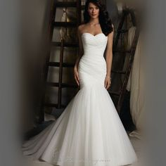 Sexy Strapless Trumpet Mermaid wedding dresses 2015 New Design White Ivory Tulle Floor length Lace Up Bridal Gowns