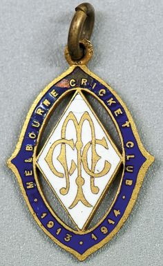 MELBOURNE CRICKET CLUB, 1913-14 membership badge, made by Stokes, No.722.