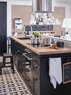 Une #cuisine moderne au style #industrielle. http://www.m-habitat.fr/par-pieces/cuisine/une-cuisine-a-la-deco-industrielle-3257_A