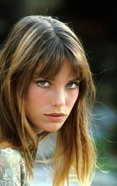 Oh, those awesome chunky highlights, done right.  Perfect messy bangs and a sexy, swingy length.  Wanting it!
