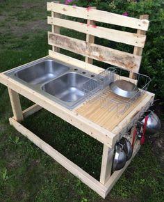 Pallet mud kitchen - no link, just a pic