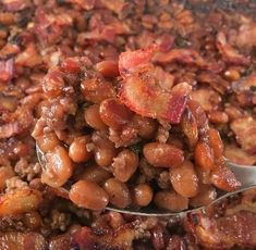 Easy Baked Beans with Ground Beef, Bacon, and Brown Sugar Easy Baked Beans with Ground Beef, Bacon, and Brown Sugar – my kitchen serenity Chicken And Baked Beans Recipe, Baked Beans With Ground Beef Recipe, Recipies With Ground Beef, Ground Beef And Spinach, Simple Baked Beans Recipe, Baked Beans Crock Pot, Canned Baked Beans, Best Baked Beans, Baked Beans With Bacon