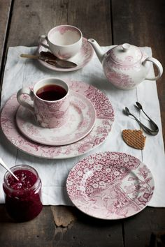 Burleigh Pottery ~ Delicate Pink 'Engravers Collection' sits with our pink 'Asiatic Pheasants' pattern.
