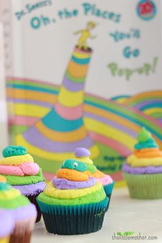 Dr. Seuss cupcakes | thelittlemother.com Dr Seuss Birthday Party, First Birthday Parties, Birthday Ideas, Retirement Parties, Birthday Crafts, Birthday Nails, Birthday Celebration, 2nd Birthday, Happy Birthday