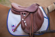 Saddle of choice if I was an eventer! Very different but great air flow! Equestrian Boots, Equestrian Outfits, Equestrian Style, Equestrian Fashion, English Horse Tack, English Saddle, Horse Gear, Horse Tips, Saddles