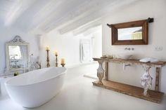 badezimmer moderne badewanne rustikale badmoebel holz waschtisch