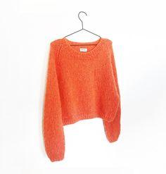 Det Stille Spektakel Voksen strikkeopskrift – Spektakelstrik Kos, Pullover, Sweaters, Fashion, Tejidos, Threading, Moda, Fashion Styles, Sweater