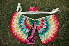 DIY for Kids {Beautiful and Unique Bird Wings or Tweaks for Little Girls made with Fabric and Feathers} by Under the Sycamore Hallowen Costume, Diy Costumes, Sewing For Kids, Diy For Kids, Bird Wings Costume, Owl Wings, Wings Diy, Butterfly Wings, Sewing Crafts