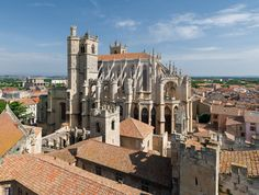 High quality images of cities. South Of France, Paris France, Narbonne France, Cityscape Wallpaper, Italy Spain, The Cloisters, Beautiful Places In The World, Place Of Worship, France