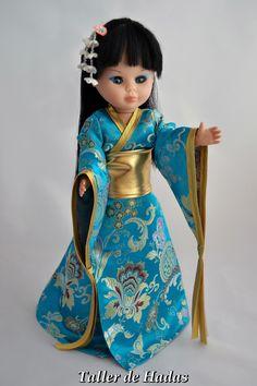 Kimono oro y turquesa.