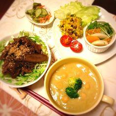 ChonkoDishさんの しぐれ煮にしらたきを入れて またまた丼にしてみました。  スープは ブロッコリーのクリームスープ。 ひよこ豆をたっぷり入れて ほくほく うまうま(*´꒳`*)   ごちそうさまでした(∩❛ڡ❛∩) - 33件のもぐもぐ - 晩ごはん by kimidori153