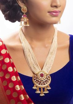 necklace* - Artify Jewelry store offers a range of affordable Indian Fashion Jewelry. Buy from our wide range o - Gold Jewellery Design, Designer Jewelry, Jewelry Model, Pearl Necklace Designs, Gold Jewelry Simple, Simple Necklace, Indian Jewelry Sets, Bollywood Jewelry, Bridesmaid Earrings