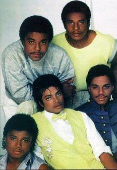 The Jacksons, Matthew Rolston photoshoot. Eric Trump, Donald Trump Jr, Jackson 5, Jackson Family, Michael Jackson Fotos, Michael Jackson Smile, Invincible Michael Jackson, Vintage Black Glamour, Old School Music