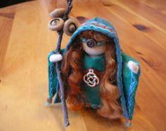 Keltische godin Bridgit Peg pop, Waldorf houten Peg pop, handgemaakte miniatuur, Art Doll