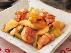 鶏肉と根菜のオイスターソース炒め レシピ 講師は加藤 美由紀さん|かぶとソースの相性抜群。一口大の鶏もも肉で、たんぱく質が補えます。中国風で楽しむ献立にどうぞ。