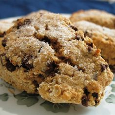 Look no further for your staple scone recipe. We have scones for every taste and occasion - from traditional buttermilk scones to chocolate chip. Try our savoury scones, cheese scones, fruit scones and more. Scones Aux Fruits, Fruit Scones, Oat Scones Recipe, Oatmeal Scones, Scottish Recipes, Irish Recipes, Scottish Oat Cakes, Biscotti, Think Food