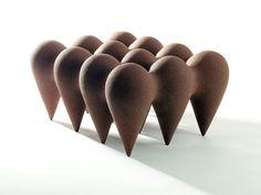 Frances Lambe: Cluster (2005). Material: Terracotta Crank Clay. Size: L32cm x D28cm x H16cm. Photographer: Rory Moore