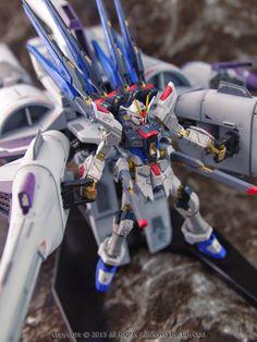 GUNDAM GUY: RG 1/144 Strike Freedom Gundam + Meteor Unit - Painted Build