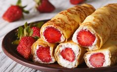 Strawberry cream baked roll up😍 Breakfast Recipes, Snack Recipes, Dessert Recipes, Cooking Recipes, Crêpe Recipe, Crepes And Waffles, Good Food, Yummy Food, Food Cravings