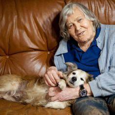 Il 29 giugno 2013 moriva Margherita Hack.  Nella sua lunga vita ha vissuto con tanti cani e gatti. Vegetariana sin da bambina, è stata una paladina degli animali