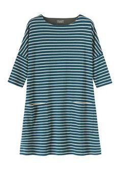 Cotton poplin tops, easy jersey tees, silk tops, smart shirts and boxy smocks. Striped Dress Outfit, Dress Outfits, Stripe Dress, Fashion Outfits, Style And Grace, My Style, Dyi, Minimalist Lifestyle, Sweatshirt Dress