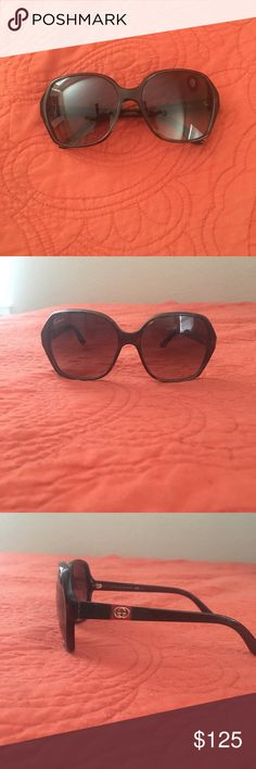 Women's Gucci sunglasses Authentic brown women's Gucci round sunglasses! Barely worn, great condition and no scratches! Comes with original Gucci sunglass case! Gucci Accessories Sunglasses