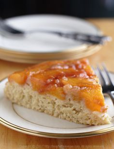 Vegan and low-fat Peach Upside-Down Cake