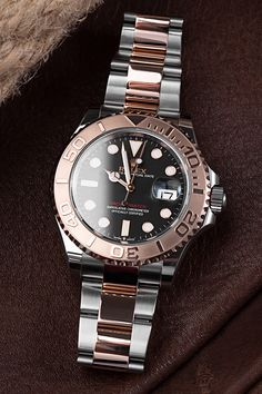 """The Rolex Yachtmaster (Ref. 126621) could be the end of your search. If you like Rolesor in Everosegold and 904L Oystersteel and don't disdain a black dial with golden hands and indices either, but at the same time don't want to do without a date window, then the Yachtmaster is the luxury watch for you. A welcome and somewhat rarer alternative to its much more popular counterpart, the Rolex GMT-Master II 126711CHNR """"Root Beer"""". Rolex Watches, Watches For Men, Buy Rolex, Rolex Models, Luxury Watch Brands, Rolex Gmt Master, Rose Gold Color, Root Beer, Alternative"""